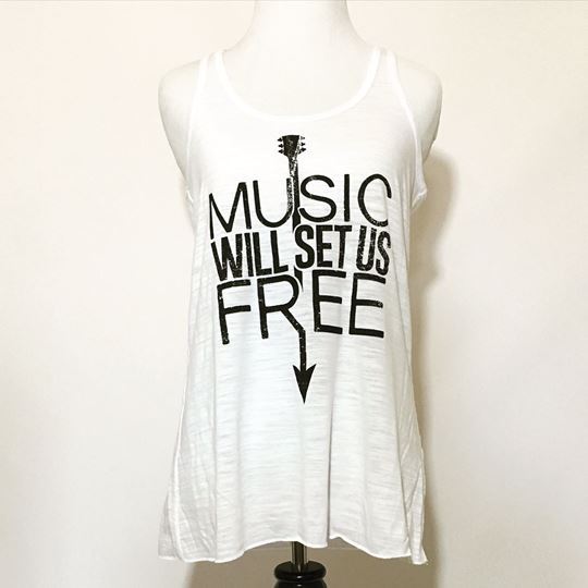 Music Will Set Us Free Women's Flowy Racerback Tank Top